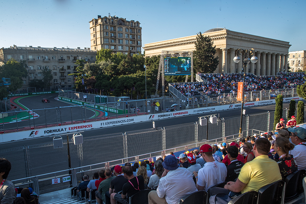 An incredible opportunity to watch two different parts of the race at the same time, unrivalled in Formula 1!